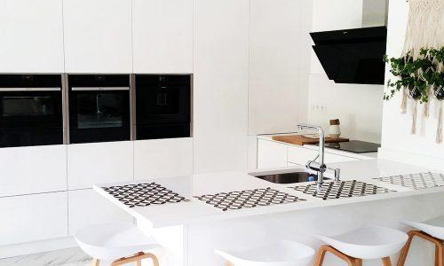 Cozinha lacada branco alto brilho