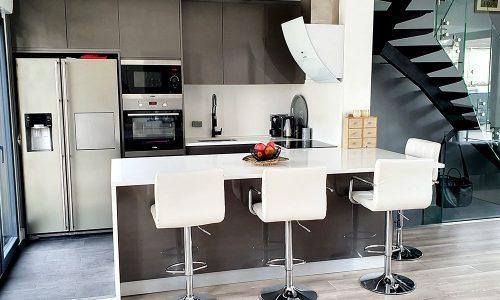 Cozinha lacada cinza metalizado